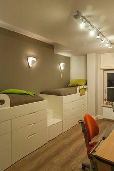 Hochbetten Kinderzimmer Einbauschränke Schubladen Unten Wandfarbe Grau    Coole Idee. Anstelle Der Betten Würde Ich