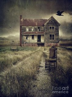 Myth Witch — Abandoned eerie farmhouse with dark clouds Abandoned Farm Houses, Old Abandoned Buildings, Old Farm Houses, Abandoned Mansions, Old Buildings, Old Mansions, Abandoned Places, Spooky Places, Haunted Places