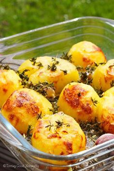 simples et délicieuses comme en Angleterre potato al horno asadas fritas recetas diet diet plan diet recipes recipes Raw Food Recipes, Vegetarian Recipes, Cooking Recipes, Healthy Recipes, Wie Macht Man, Grilling Gifts, Roasted Potatoes, Going Vegan, Food Porn