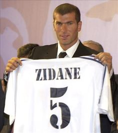 The day Zidine Zidane Got sign to Real Madrid^^