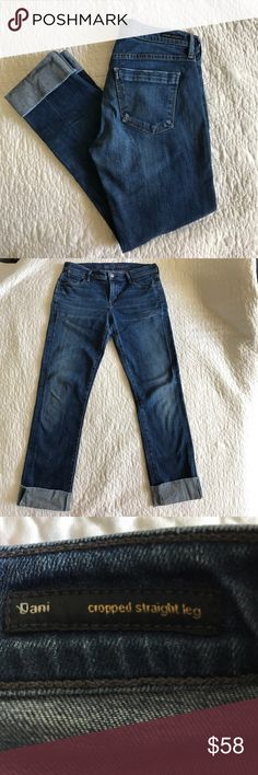 Citizens of Humanity dani cropped straight leg Super cute crops. 25in inseam but can be rolled twice for shorter crop. Versatile. Citizens of Humanity Jeans Ankle & Cropped