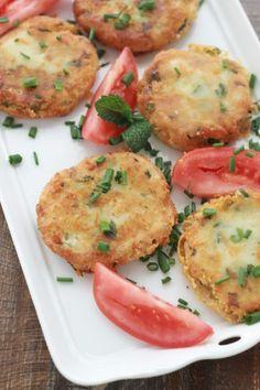 Makouda, délicieuses galettes de pommes de terre à l'algérienne. Dorées et croustillantes, elles sont excellentes en entrée ou en accompagnement. / cuisineculinaire.com