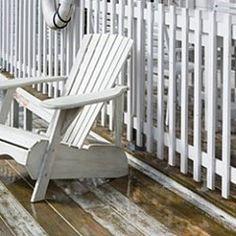 Geef je balkon een zomerse look met houten vlonders