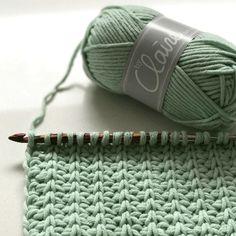 Crochet Wool, Love Crochet, Crochet Scarves, Crochet Clothes, Crochet Hats, Tunisian Crochet Patterns, Knitting Patterns, Sewing Patterns, Crochet Videos