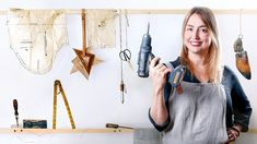 Learn Craft in Domestika, the largest community of creatives. Improve your knowledge anytime and anywhere with online courses taught by the best professionals from the world of design and creativity. Woodworking Courses, Learn Woodworking, Wooden Spoon Carving, Origami Lamp, Advanced Embroidery, Collage Techniques, Sustainable Furniture, Craft Online, Basic Tools