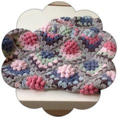 KnoFF-je : Puff flower granny deken. Drops Paris