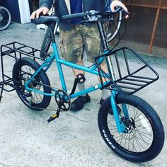 Happy Thanksgiving 🦃🍽🍁 check out Papa T with this heavy duty,short wheel base cargo 🚲 bike. It can carry a front and a in the… Urban Bike, Bmx, Bicycle Crafts, Velo Cargo, Velo Vintage, Blue Lantern, Bicycle Workout, Touring Bike, Bike Frame