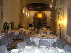 Montaje para banquete en capilla, #ParadorSantiago