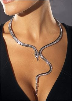 snake jewellery selection for the very best in unique or custom, handmade pieces from our jewellery shops. ooking for snake themed jewelry ideas? I'm pinning a wide variety of snake jewelry styles and designs that are both beautiful and inspiring for DIY Snake Necklace, Snake Jewelry, Jewelry Model, Body Jewelry, Unique Jewelry, Jewelry Box, Jewelry Accessories, Fine Jewelry, Fashion Accessories