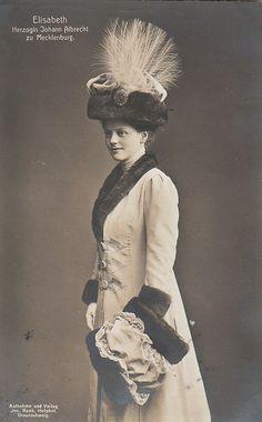 Princesse Elisabeth de Stolberg-Stolberg (1885-1969) épouse du duc Albrecht de Mecklembourg-Schwerin (1857-1820)