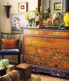 爱 Chinoiserie? Mais Qui! 爱 home decor in Chinese Chippendale style - vintage chinese chest in Benny Aguilar's Nob Hill apaprtment