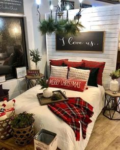 bedroom Cozy & Festive Christmas Bedroom Decorations To Keep Up All Holiday Season - Hike n Dip Indulge in the holiday spirit by decorating your bedroom. Choose from over 50 cozy & festive Christmas Bedroom decorations perfect for the holiday season. Decoration Christmas, Farmhouse Christmas Decor, Cozy Christmas, Christmas Holidays, White Christmas, Christmas Ideas, Christmas Fireplace, Apartment Christmas Decorations, Christmas Cookies