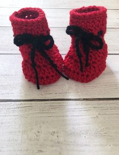 279df10408a1 Newborn santa booties   crochet boots  Christmas booties  baby slippers   baby shower gift
