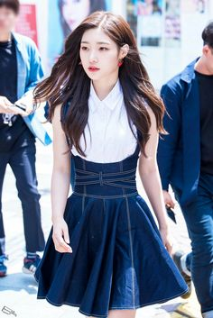 dedicated to female kpop idols. Swag Outfits, Stylish Outfits, Kpop Girl Groups, Kpop Girls, Korean Beauty, Asian Beauty, Jung Chaeyeon, Kim Sejeong, Korean Celebrities