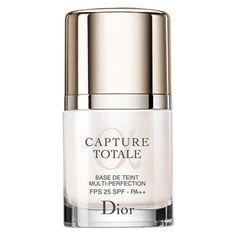 【年齢を重ねたお肌を艶肌へ導くメイク下地】クリスチャンディオール  (Christian Dior)  カプチュールトータルメイクアップ ベース25***年齢を重ねた肌にうるおいを与え、キメの整った明るいツヤ肌に導く、エイジングケア効果にすぐれたメイク下地。   明るいピーチカラーのベースがベールのように肌全体に溶け込みながら表面に光を反射させて、色ムラやくすみの気になる肌を整え、ファンデーションののりと持ちをアップします。  SPF25 - PA++