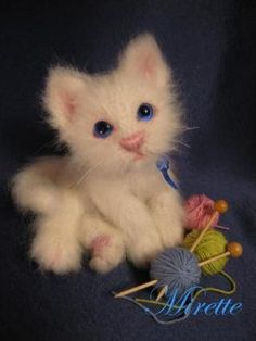 meow — cutest crochet kitty I have ever seen! meow — cutest crochet kitty I have ever seen! Chat Crochet, Crochet Amigurumi, Knit Or Crochet, Amigurumi Patterns, Crochet Crafts, Crochet Dolls, Crochet Baby, Crochet Patterns, Crochet Cat Pattern