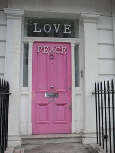 Pink door (Chelsea, London) by Jordi Perramon Xinxola. Pinned by #ChiRenovation - www.chirenovation.com