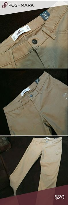 Hollister skinny khakis Cute skinny khakis. Can be dressed up or down. Hollister Pants Skinny