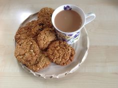 Recipe Print Hob Nob biscuits recipe - All recipes UK Biscuit Cookies, Biscuit Recipe, Fun Cookies, Baking Recipes, Dog Food Recipes, English Biscuits, Christmas Cookies Gift, British Baking, Edible Food