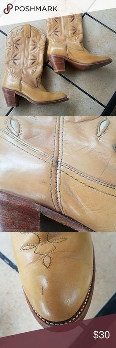 Dingo boots size 9 Boots are in used condition and I have photographed all flaws. Please see pics. Size 9. dingo Shoes
