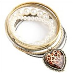 Multi-Strand Single Ring Assembled Bead Embellished Bracelet with Heart Shape Pendant Wrist Hand Decor for Lady