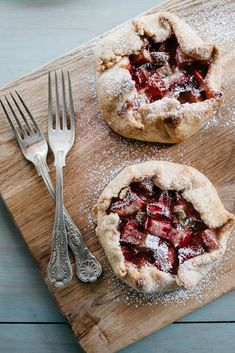 Rhubarb & Strawberry Mini Galettes | Jet & Indigo