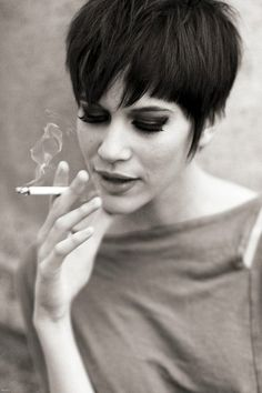Love her hair but HATE HATE HATE the fact that she is either smoking or appears to be/is modeling smoking in this pic. Pinning for the adorable pixie cut. Short Hair Styles Easy, Short Hair Cuts For Women, Short Hairstyles For Women, Hairstyles Haircuts, Medium Hair Styles, Short Haircuts, Hairstyle Short, Hairstyle Ideas, Bob Haircut Curly
