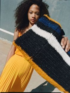 Discover the new ZARA collection online. The latest trends for Woman, Man, Kids and next season's ad campaigns. Summer Editorial, Editorial Fashion, Ethnic Bag, Summer Lookbook, French Girls, Yellow Fashion, Zara United States, Everyday Fashion, Latest Trends
