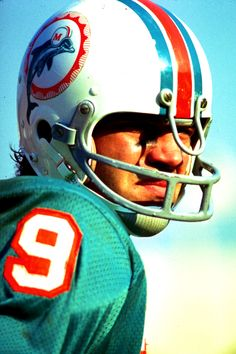 Larry Csonka, Running Back for the Miami Dolphins during the team's famed undefeated 1972 season, including a Super Bowl victory and another Lombardi Trophy a year later. Canadian Football League, Nfl Football Players, Football Memes, Sport Football, National Football League, American Football, School Football, Football Art, 1972 Miami Dolphins