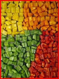 Dehydrating Food Table of Contents. Chef Glenn shows how to dehydrate vegetables, fruit, meat and more! Perfect for chuck box Dehydrated Vegetables, Dehydrated Food, Veggies, Canning Recipes, Raw Food Recipes, Healthy Recipes, Canned Food Storage, Dehydrator Recipes, Gastronomia