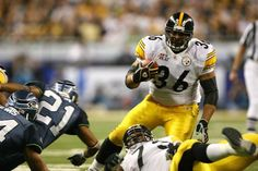 Jerome Bettis, Running Back, Steelers - Fame Class of 2015 Pittsburgh Steelers, Dallas Cowboys, Nfl Football, Football Helmets, Jerome Bettis, Kareem Abdul Jabbar, Football Hall Of Fame, Magic Johnson, Football Pictures