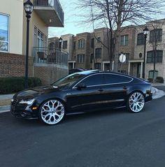 I'm a Guy That Love Bad Bitches. Roll a Blunt & Check The Playlist Audi Q7 Tdi, Audi Sports Car, Cadillac Xts, Custom Car Interior, Lexus Ls, Best Luxury Cars, Hot Rides, Car Car, Hot Cars