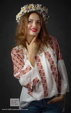 handmade embroidery - Romanian blouse bestickte folklore bluse