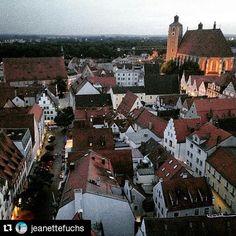 #Repost @jeanettefuchs #insiderei ・・・ #Ingolstadt bei #Nacht – über 201 Stufen hinauf auf den Pfeifturm und den besten #Blick auf die #Stadt genießen | #JungeDonau #bavaria #germany #travelwithme #fromwhereistand #seewhatisee #oldtown #sunset #FYTinGermany  #bynight #view