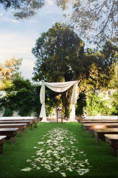 Photography: Maria Del Rio  - www.delriophotography.com/  Read More: http://www.stylemepretty.com/2014/10/29/elegant-and-cozy-backyard-wedding/