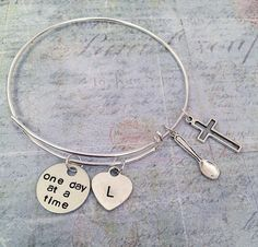 One Spoon At A Time Spoonie Expandable Bracelet - Fits WRIST SIZE : 7.0 to 8.5 inches - Fighter Jewelry - Chronic Illness Jewelry - Illness