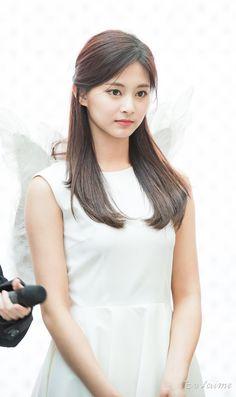 Happy birthday to this beautiful angel, Chou Tzuyu Nayeon, Most Beautiful Faces, Beautiful Asian Girls, Kpop Girl Groups, Kpop Girls, Korean Beauty, Asian Beauty, Prity Girl, Sana Momo