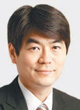 [홍수용 기자의 죽을 때까지 월급받고 싶다]한은 총재가 저축은행 통장 안깨는 이유 : 동아닷컴'