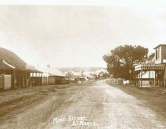 The Great Western Road,St Mary's in the outer western suburb of Sydney in around 1905 -1910. •Penrith Library•