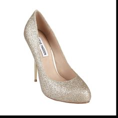 Nice, simple gold shoes for my girls. :)