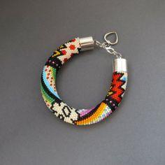A page full of bead crochet patterns! Alice Kosarzewska - Koala - handmade jewelry: bead crochet ropes Designs
