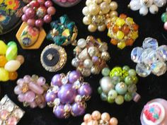 C. Dianne Zweig - Kitsch 'n Stuff: Rings Made From Old Buttons And Vintage Costume Jewelry Parts