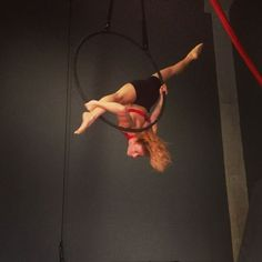 """313 Likes, 6 Comments - VANE LUNATICA  artist (@vanelunatica) on Instagram: """"Areteando... flying on the hoop... my favourite split, credit to my awesome and talented friend…"""""""