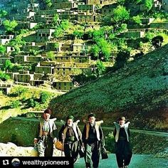 #Repost @wealthypioneers with @repostapp To get featured  tag your post with #talestreet #landscape #kurdistan #kurdish #rojhelat  #erbil #hewler #mountains #talestreet #photographylove #people #photograpy #photo #photolust #himalayan #living #lifeonmountains #greenery #meadows #hardlife #wanderer #wanderlust #travelislife #travelography #travelgram #mountains #landscapestyles_gf #_soiwalks #_soi