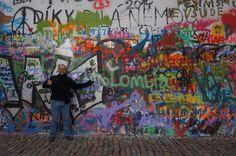Fotografía: Enrique Guerrero - Muro de John Lenon John Lenon, Mini, Painting, Art, Nocturne, Prague, Castles, Vacations, Warriors