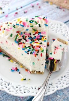 No Bake Funfetti Cheesecake! Golden Birthday Cake Oreo Crust filled with cake batter sprinkle cheesecake! So good!