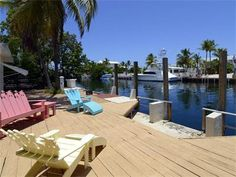 Islamorada's premier waterfront neighborhood offering 100 feet of protected deep water dockage. Equipped with the power and pilings to handle your large vessel. Snake Creek joins the Florida Bay to the Atlantic Ocean and this canal side home is situated right in between! Bring your luxury yacht to the Keys and tuck it in behind this charming two bedroom one bath cottage.