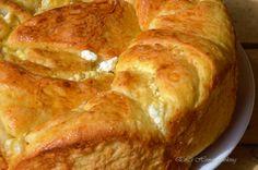 Тутманик               Необходими продукти:      300 мл. топло мляко   3 яйца   1 ч.л. захар   1 ч.л. сол   25г. жива мая ( 1 пак. суха ...