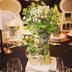 ゲストテーブル装花+洋書+切り株 |nico◡̈*blog 手作り結婚式|Ameba (アメーバ) Centerpieces, Table Decorations, Rich People, Table Flowers, Christmas Traditions, Celebrity Weddings, Wedding Table, Baby Shower Gifts, Glass Vase