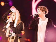 Bts Girl, Rose Park, Blackpink And Bts, Relationships, Fan Art, Romantic, Concert, Couples, Recital